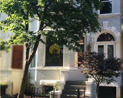 Beautiful 2 bedroom townhome in historic Dupont Circle