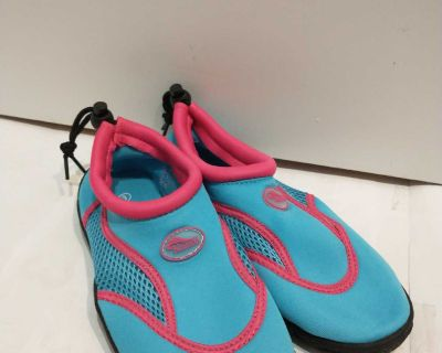 Size 3 water shoes