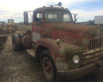 1952 International Truck Tractor