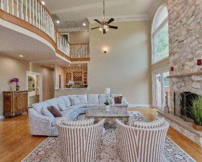 Shadowalk Manor Downsizing, Online Auction