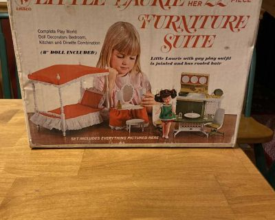 Vintage Little Laurie and her furniture suite