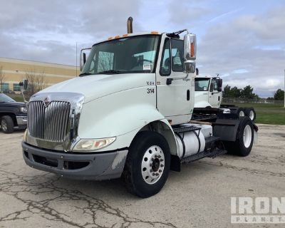 2010 International 8600 4x2 S/A Day Cab Truck Tractor