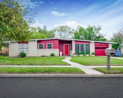 Single Family Home 3 Bedroom Near All Attractions and 10 miles to Lackland AFB - San Antonio
