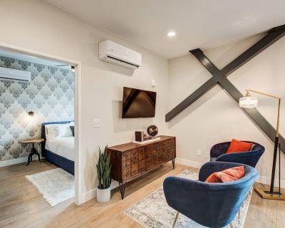 STUART | 2 Bedroom 1 Bath with Full Kitchen - Berkeley