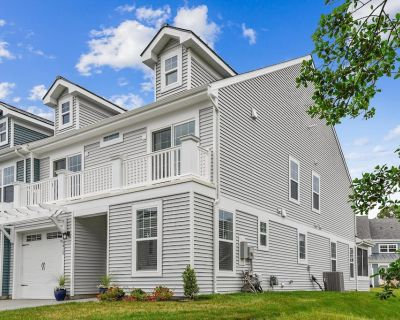 2021 BRAND NEW CONSTRUCTION!! Fantastic vacation villa located in The Grove which is one of Fenwick Island's newest resort communities - Selbyville