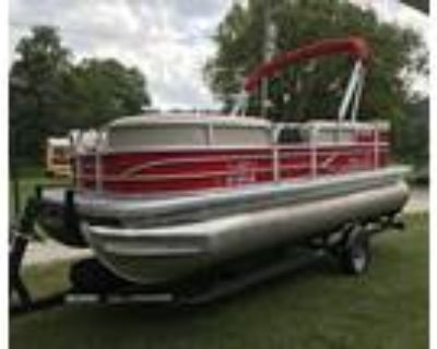 20 foot SunTracker Party Barge 20 DLX