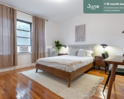 #368 Private Queen Room in Brighton 4-bed / 2.0-bath apartment