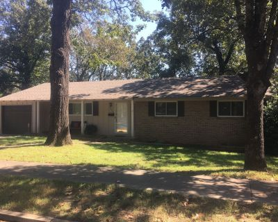 2 Bedroom home in a safe convenient area - North Little Rock