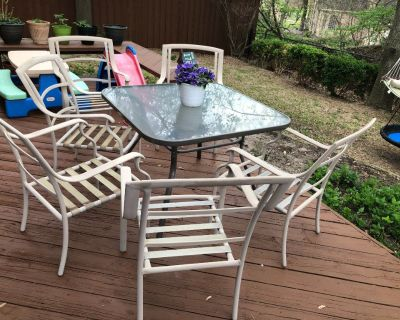 Patio Table and six chairs (no cushions)