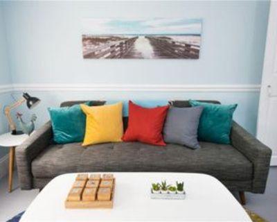 134 Spring St #2, Newport, RI 02840 3 Bedroom Apartment
