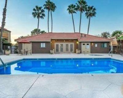 8215 N Oracle Rd, Tucson, AZ 85704 3 Bedroom Apartment