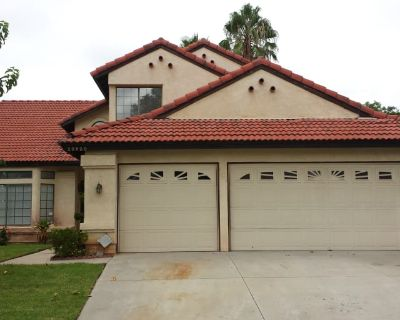 Private room with shared bathroom - Moreno Valley , CA 92557