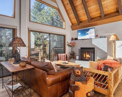 Luxe Cabin with Private Master Suite   Near Speedboat Beach & Diamond Peak - Brockway