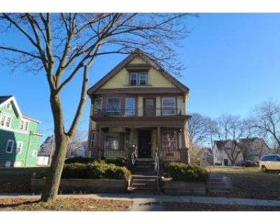 5 Bed 2 Bath Preforeclosure Property in Milwaukee, WI 53210 - N 28th St
