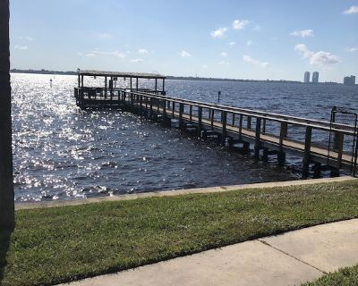 """Stunning River and Marina Condo for rent; Sunsets Nightly at """"Riverview Haven"""" - North Fort Myers"""