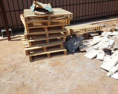 9 Pallets and crate