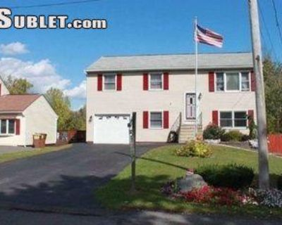 St George Place Schenectady, NY 12304 4 Bedroom House Rental