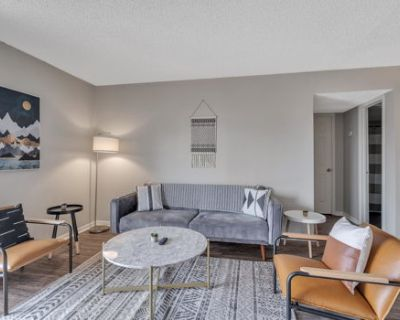 Downtown Midland Apartment Oasis + Local Attractions Nearby
