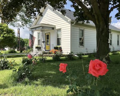 Great Homebase Bungalow 10 Mins to Starved Rock - managed by Superhost! - La Salle