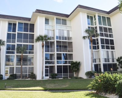 Lido Key on the beach 2bed/2bath Condo GULFVIEW on southern end! - Lido Key