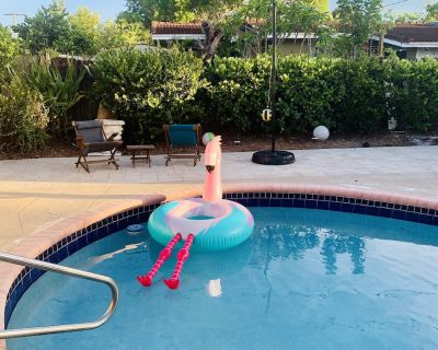 East Boca Home 4/3, pool, Hot Tub, 2 person office. Only 1/2 mile walk to beach! - East Boca Raton