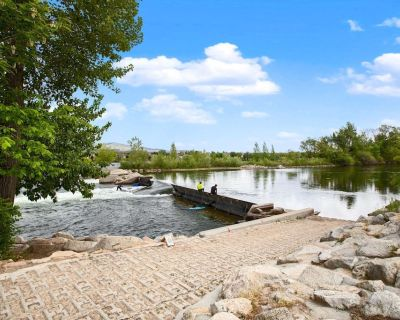 The Real Boise Experience! Views of the River w/ 2 Bikes Available to Cruise the Boise Greenbelt! - Garden City