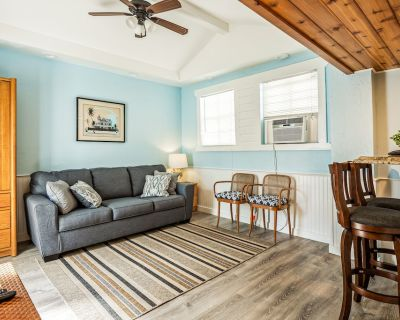 One Bedroom in the Heart of Downtown w/ Kitchen - Downtown Key West