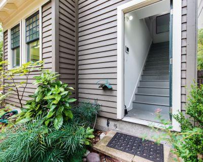 Charming Guest Cottage - Magnolia District! View calendar - Fairmount