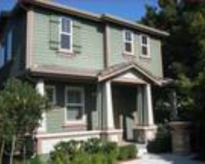 Roommate wanted to share 5+ Bedroom 3 Bathroom Townhouse...