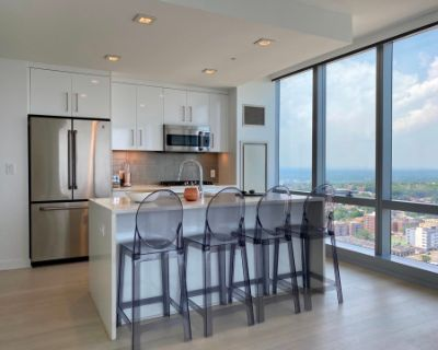 Breathtaking Skyline Views Overlooking GWB and New York City, Fort Lee, NJ
