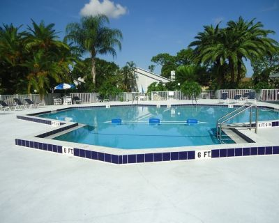 Pet Friendly townhouse in South Fort Myers close to RSW and Outlet Shopping - Fort Myers