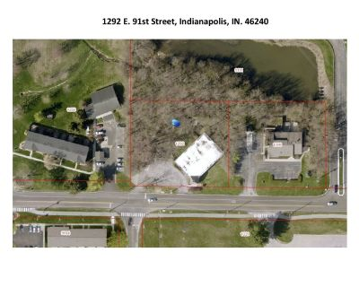 Commercial Building in Nora On One Acre Site!