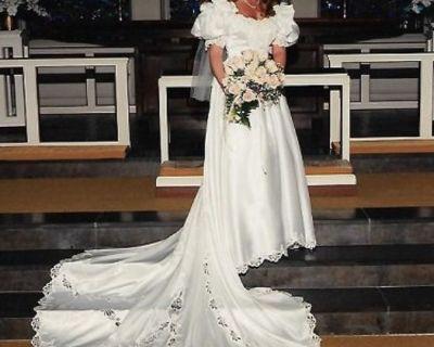$399/REDUCED-White Satin Princess Wedding Dress w/ Rose Crown Veil  (Size 10)