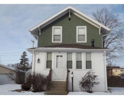 3 Bed 1.5 Bath Preforeclosure Property in Kimberly, WI 54136 - S Maple St