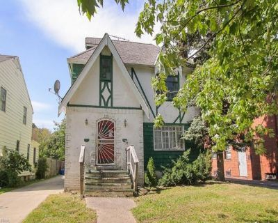 Home For Sale In Cleveland Heights, Ohio