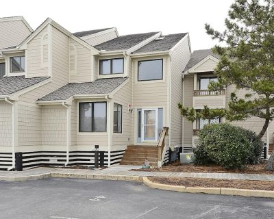 FREE DAILY ACTIVITIES!!! BAYFRONT!!! Newly remodeled 4 bedroom, 3.5 bath townhome located on the bay front with all of the amenities - Fenwick Island
