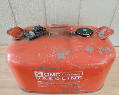 Gas jug for boat