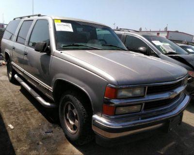 Salvage Silver 1999 Chevrolet Suburban