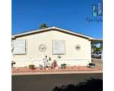 Stunning and spacious 4 bedroom 2 Bathroom Manufactured Home Friendly Village Of