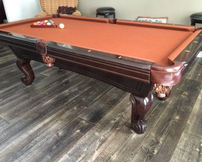 Pool table, pub set & all accessories