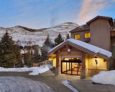 Marriott's StreamSide Douglas 1BD Villa sleeps 4 -6 - West Vail