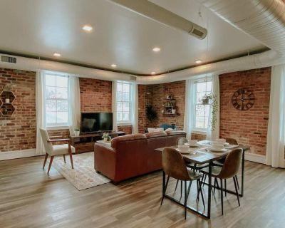 Thompson Place: Premier Modern Downtown 2BR Loft - Washtenaw County