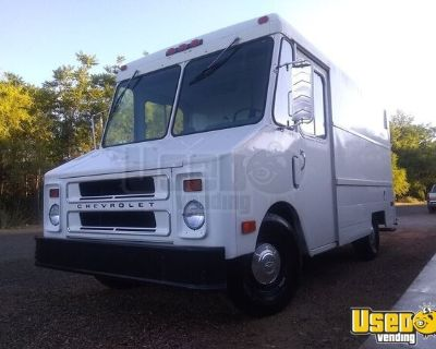 Chevrolet P30 Step Van Truck with Lots of Upgrades Ready for Conversion