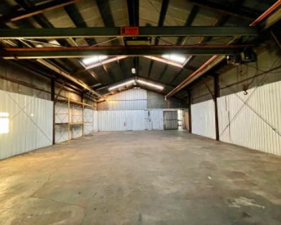 Industrial Metal Warehouse Ground Level Studio, Compton, CA