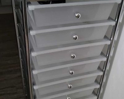 10 plastic drawer metal cart, almost brand new, wheels in top drawer and never even attached.
