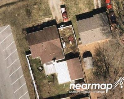 3 Bed 1.0 Bath Preforeclosure Property in Louisville, KY 40229 - Crestwood Ln