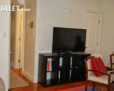 $900 4 townhouse in Capitol Hill