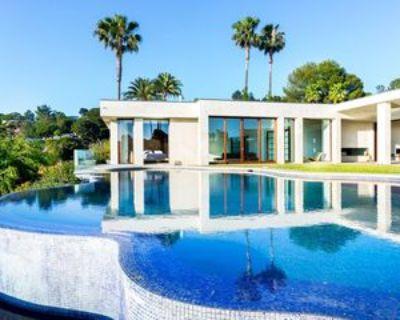 455 Castle Pl, Beverly Hills, CA 90210 6 Bedroom Apartment