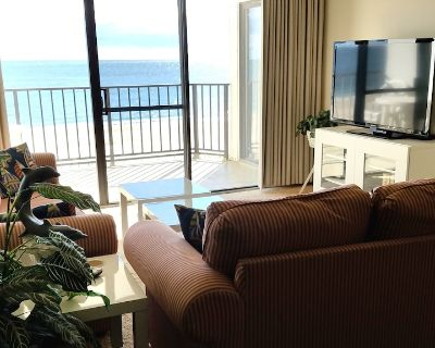 FREE DAILY ACTIVITIES! Direct Oceanfront 2 Bedroom, 2 Bath unit with semi private den. - North Ocean City