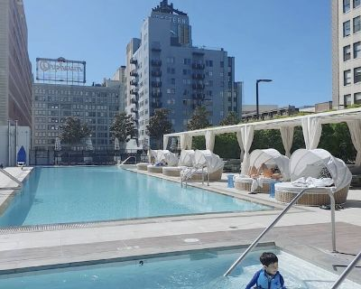 40th floor views, luxury condo, close to everything - Downtown Los Angeles